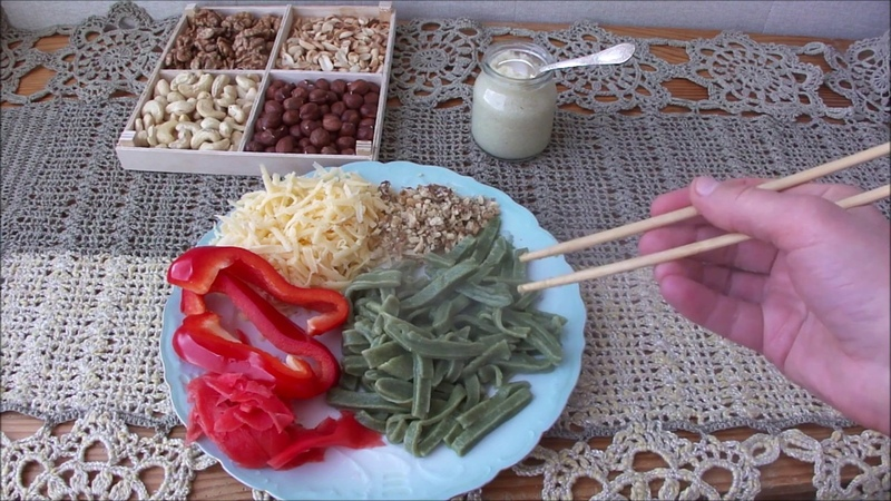 Зеленая домашняя лапша 🌿 🍜 сидимдома Вкусное блюдо с крапивой StayHome and cook WithMe