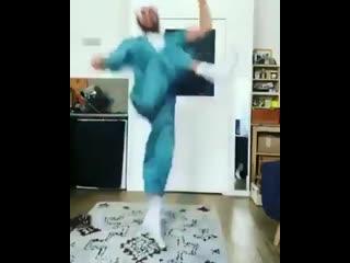 восточные танцы))