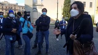 """Италия. Операция """"Корона"""". Рим. Манифестация 10 октября.  Остановила полиция."""