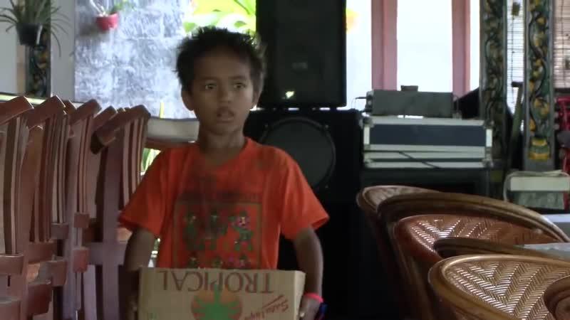 Маленькие сокровища Ломбока Tentang anak jalanan 2010