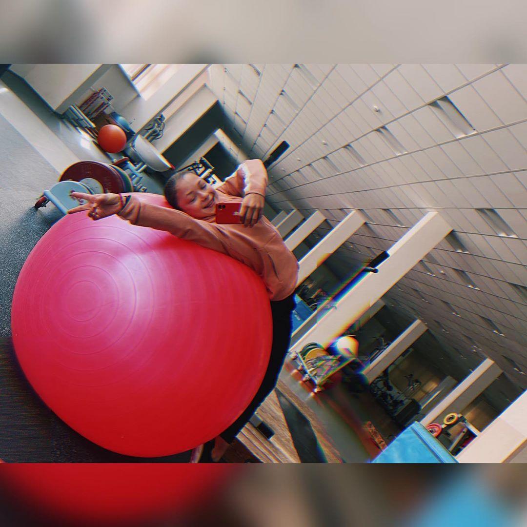 Розовый мяч Новогорска & Индивидуальный чемодан фигуриста - Страница 6 WDq0FwPYUeg